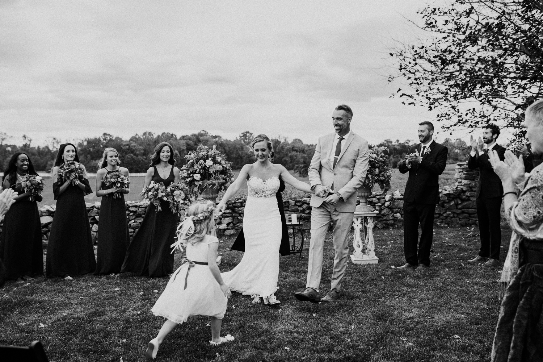 phoenix-maryland-barn-silo-hill-wedding-photographer 24.jpg