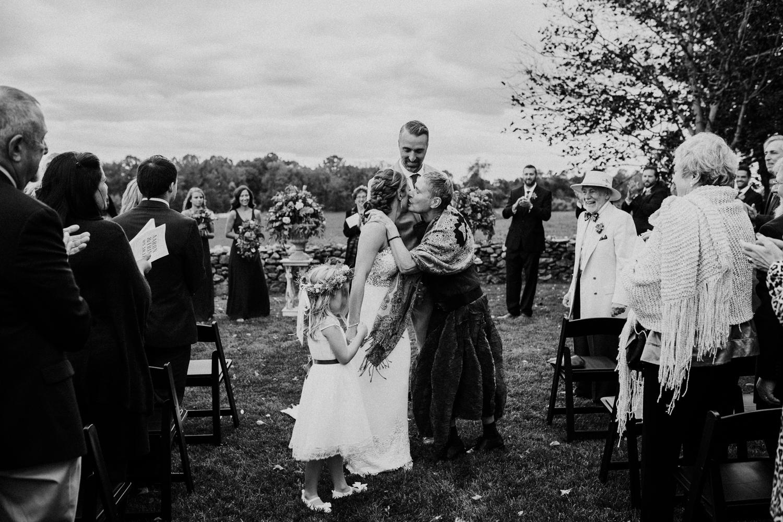 phoenix-maryland-barn-silo-hill-wedding-photographer 26.jpg