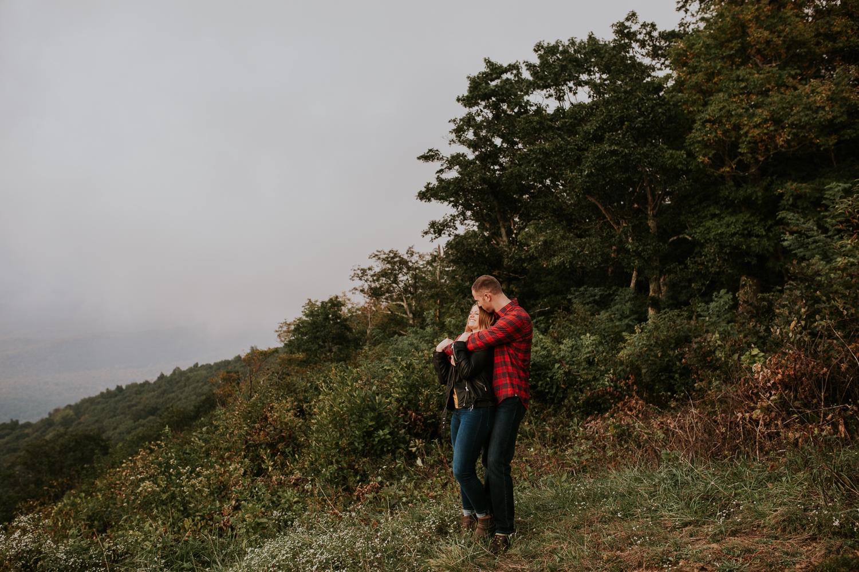 ravens-roost-afton-virginia-mountain-top-engagement-photographer 16.jpg