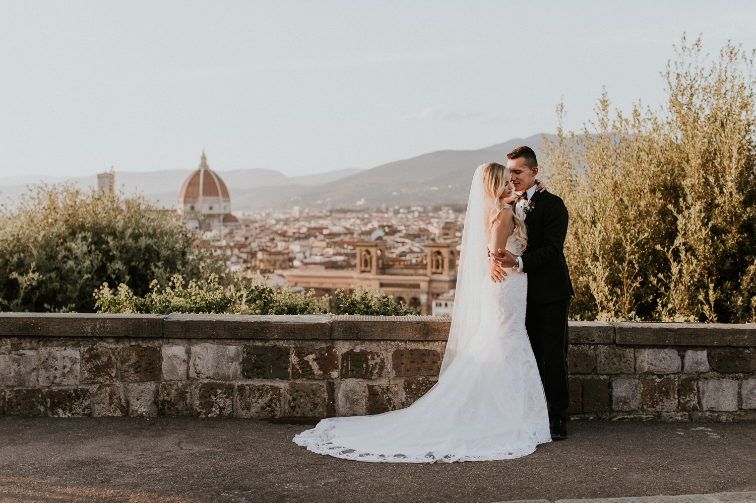florence-italy-elopement-wedding-photographer-villa 9.jpg