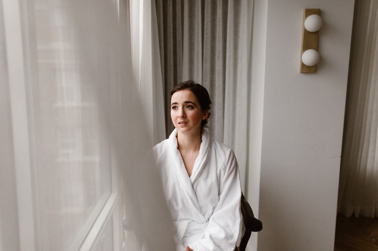 washington-dc-the-line-hotel-bride-getting-ready-photographs 8.jpg