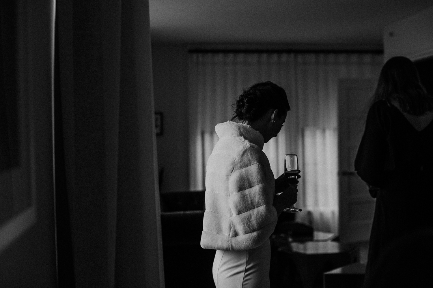 washington-dc-the-line-hotel-bride-getting-ready-photographs 31.jpg