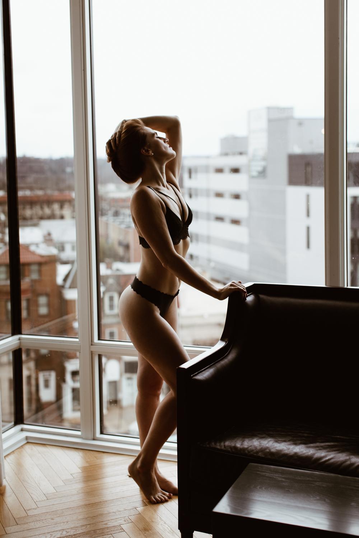 washington-dc-boudoir-photographer-the-line-hotel-53.jpg