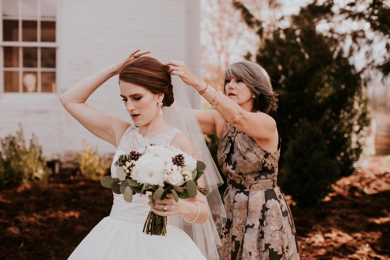 veritas-vineyard-virginia-outdoor-wedding-photography 12.jpg