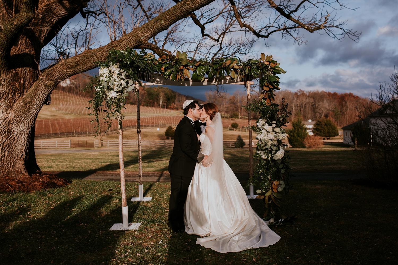 veritas-vineyard-virginia-outdoor-wedding-photography 41.jpg