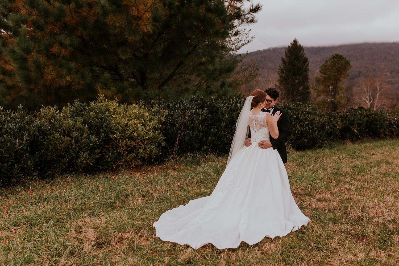 veritas-vineyard-virginia-outdoor-wedding-photography 6.jpg