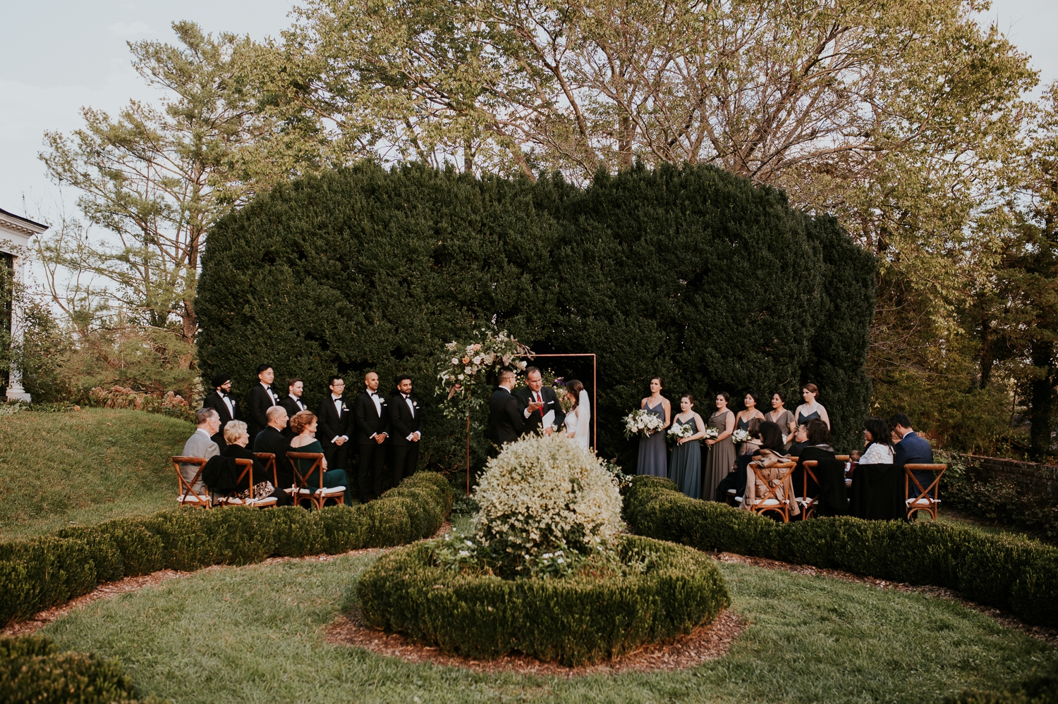 leesburg-virginia-oatlands-historic-house-wedding-photographer-planner-vendors 30.jpg