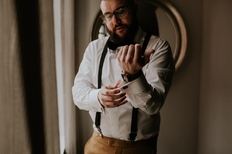 chicago-illinois-downtown-urban-elopement-wedding-photographer 8.jpg