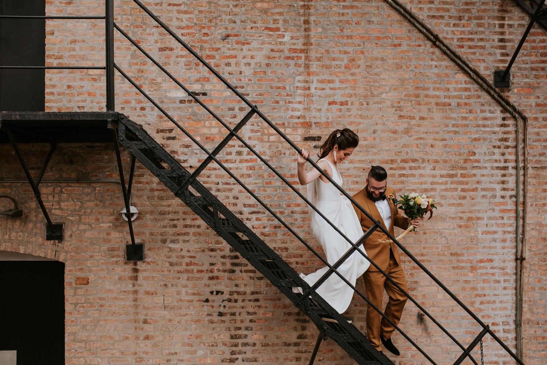chicago-illinois-downtown-urban-elopement-wedding-photographer 34.jpg