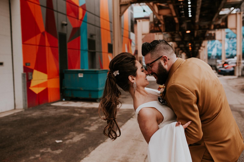 chicago-illinois-downtown-urban-elopement-wedding-photographer 40.jpg
