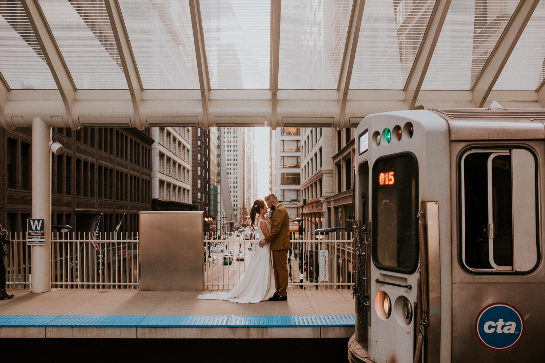 chicago-illinois-downtown-urban-elopement-wedding-photographer 49.jpg