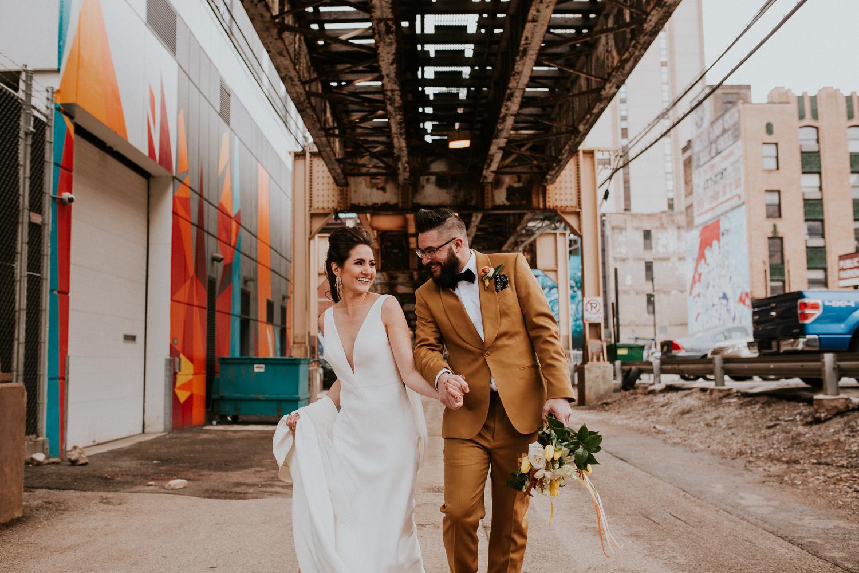 chicago-illinois-downtown-urban-wedding-photgrapher-81.jpg