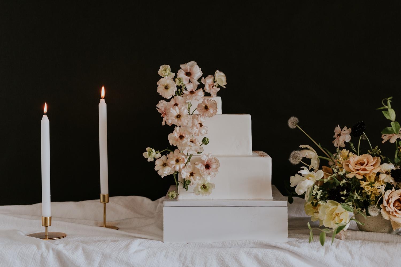 washington-dc-georgetown-modern-urban-wedding-inspiration-black-white-planning-photography 3.jpg