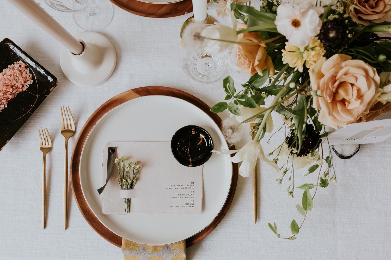 washington-dc-georgetown-modern-urban-wedding-inspiration-black-white-planning-photography 17.jpg