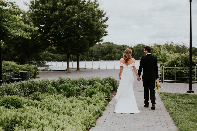 washington-dc-georgetown-modern-urban-wedding-inspiration-black-white-planning-photography 33.jpg