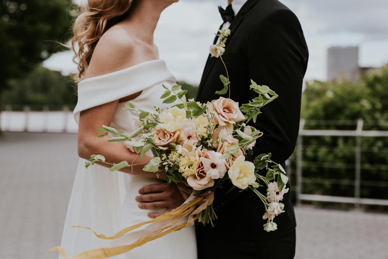 washington-dc-georgetown-modern-urban-wedding-inspiration-black-white-planning-photography 36.jpg