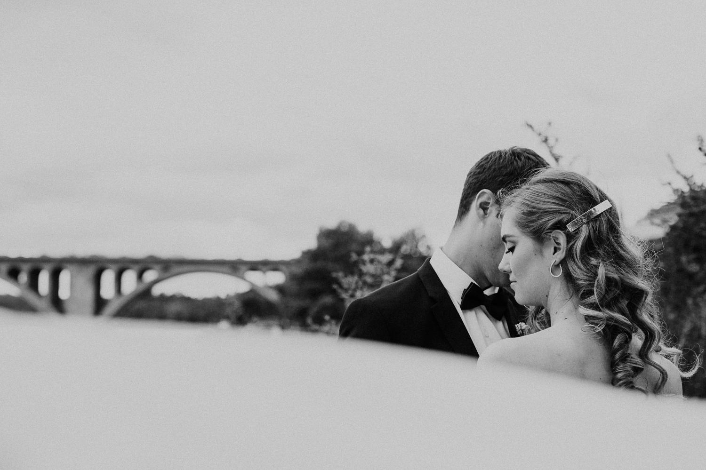 washington-dc-georgetown-modern-urban-wedding-inspiration-black-white-planning-photography 44.jpg