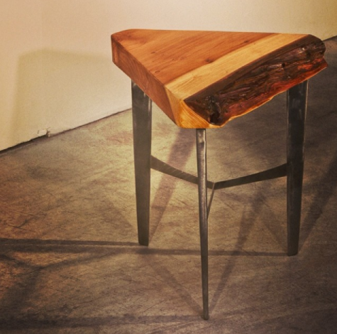 Redwood Triangle Table