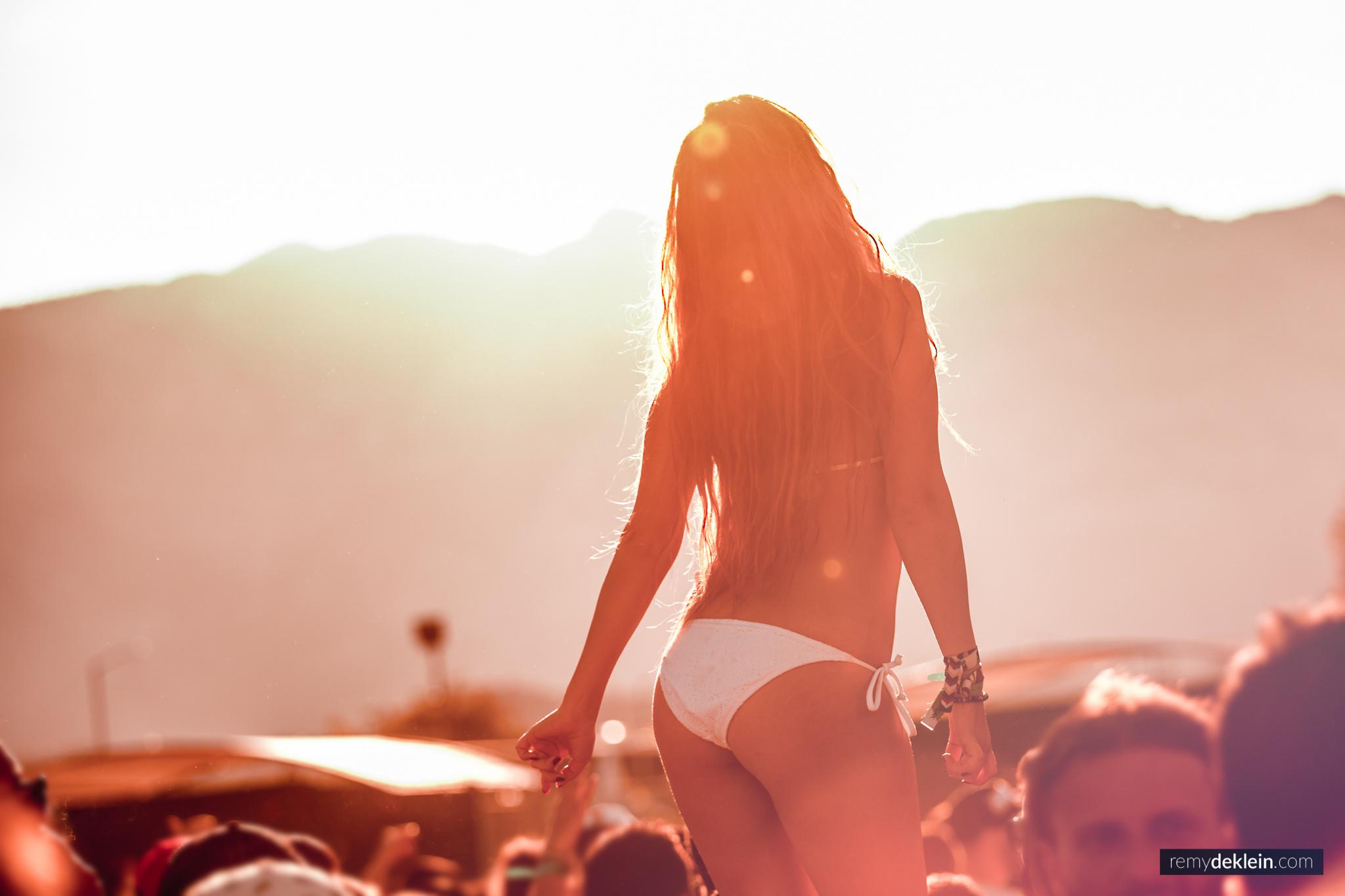 Sunset girl in Bikini