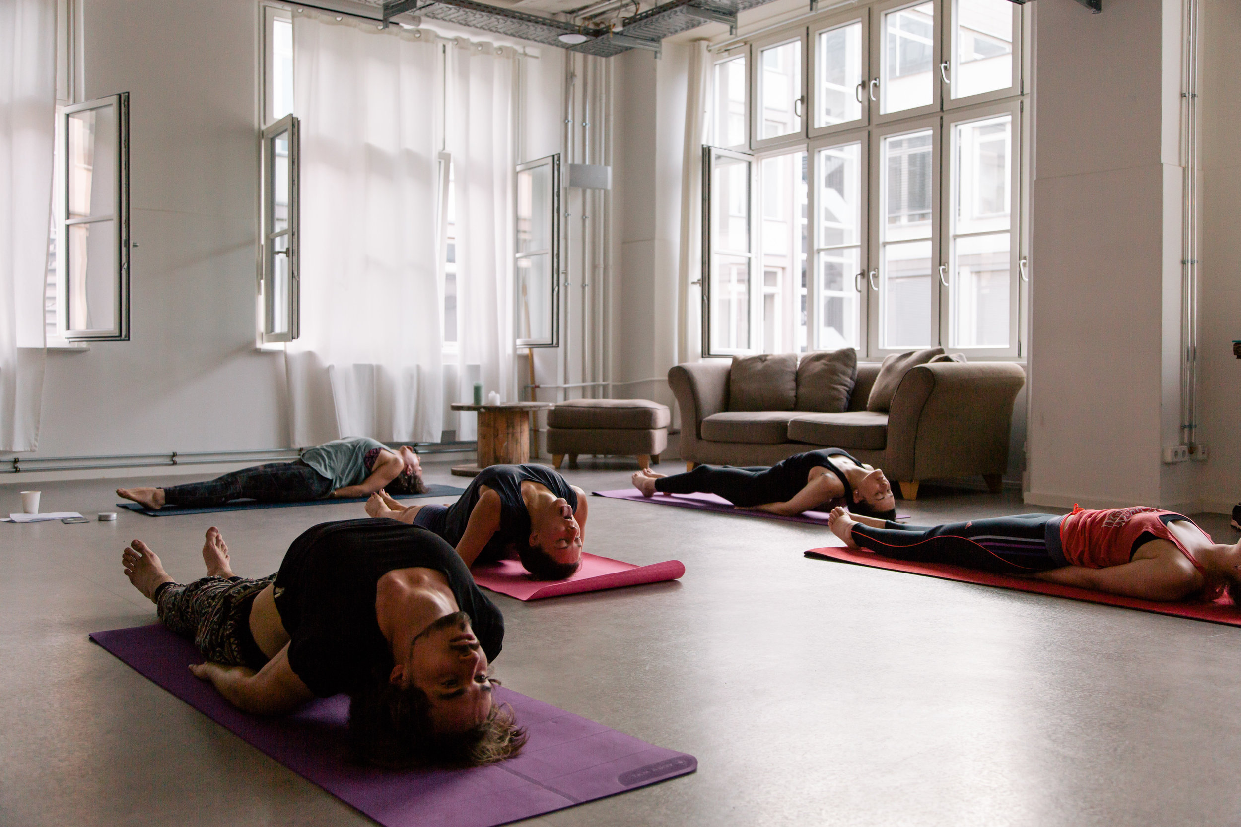 Yoga_for_Happiness07-christina-metzler-yoga-berlin.jpg