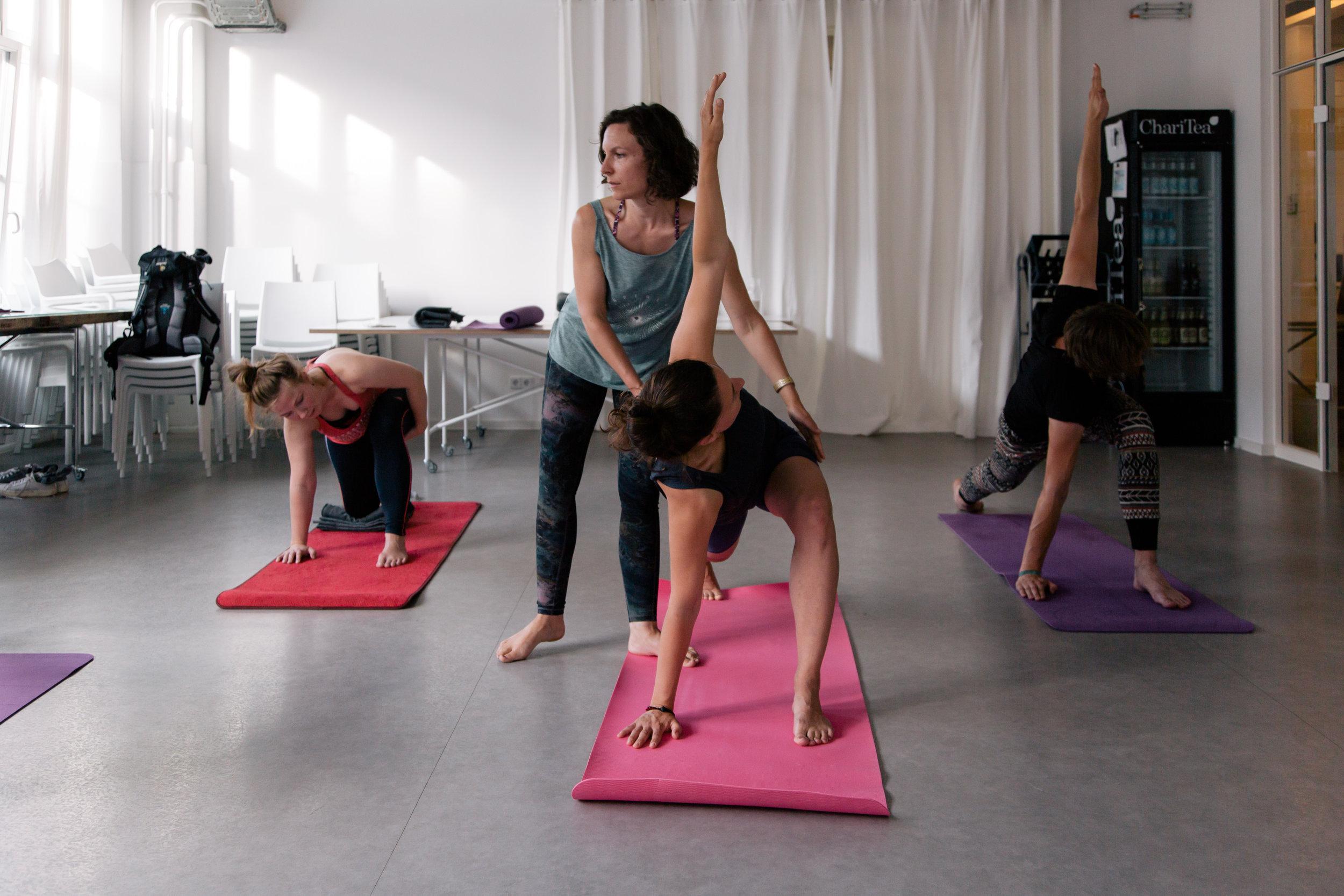 Yoga_for_Happiness11-christina-metzler-yoga-berlin.jpg