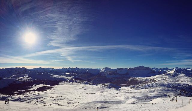 Beautiful day @shredssv @sunshinevillage a bit chilly in the morning but can't complain with bluebird. #jerrybomb
