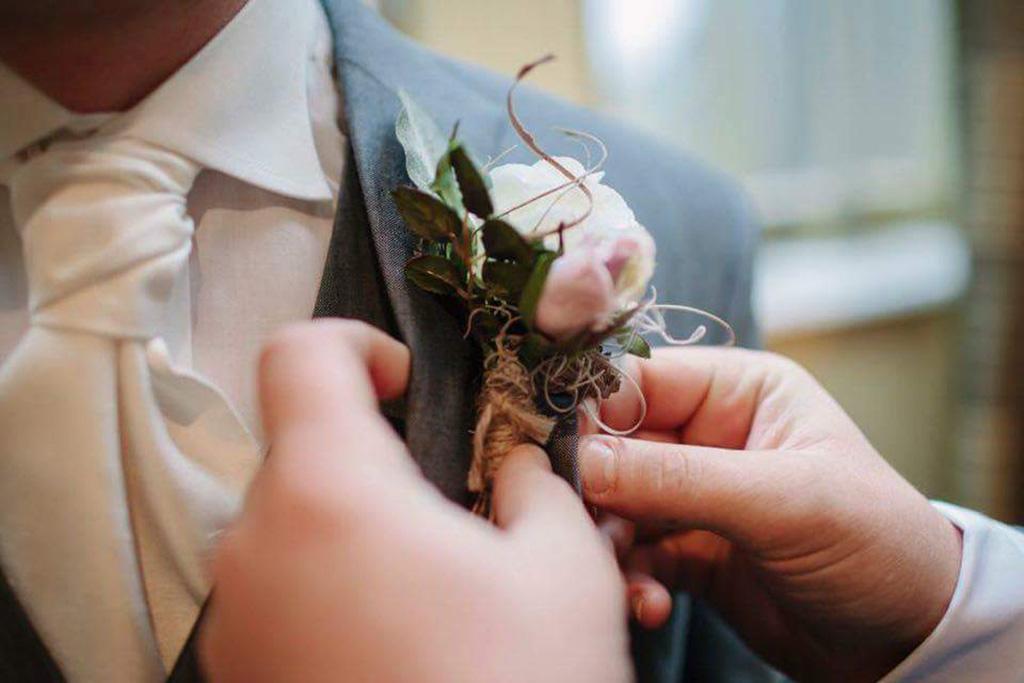 Nina's Flowers special offer for Formby Hall Wedding Fayre Liverpool Wedding Fair Merseyside Weddings www.redeventweddingfayres.com2.jpg