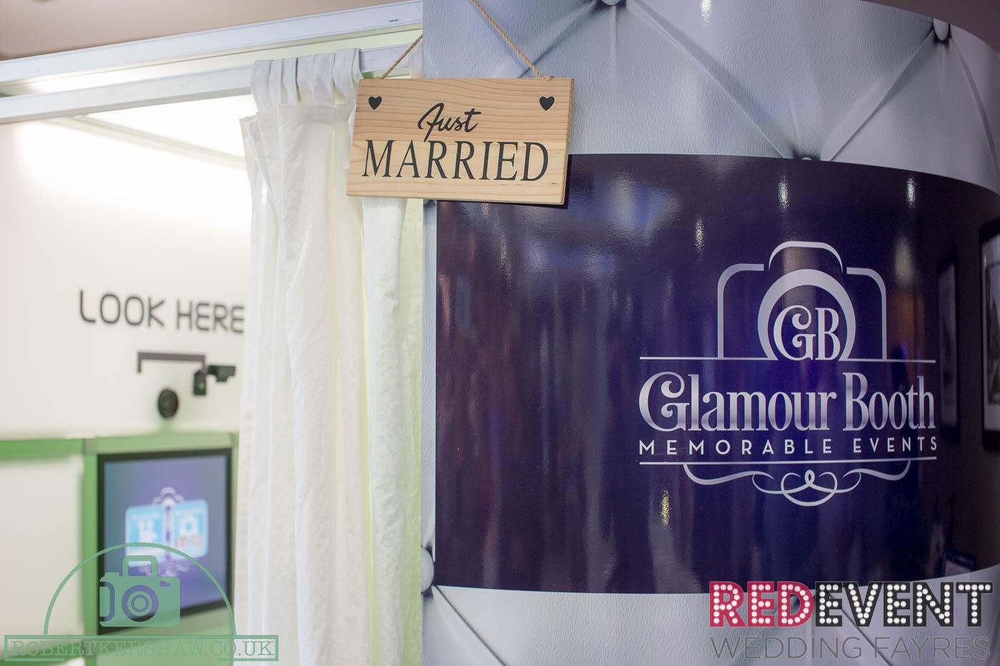 Glamour Booth RedEvent_HolidayInn www.redeventweddingfayres.com
