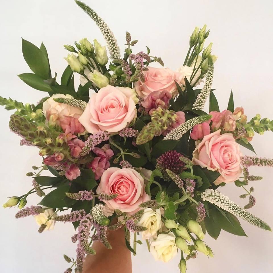 Wedding Flowers, Wedding Supplier Cheshire Wedding florist Wirral www.redeventweddingfayres.com.jpg3.jpg