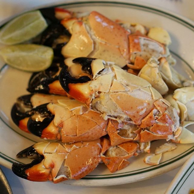 Holy crab, stone crab season really flew by 🦀 Closing it out the right way at @joesstonecrab #miami_foodporn