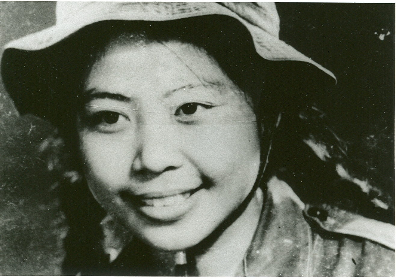 "Le Minh Khue. As a teenager, she worked to clear the Ho Chi Minh trail for the North Vietnamese.                       Normal   0           false   false   false     EN-US   JA   X-NONE                                                                                                                                                                                                                                                                                                                                                                               /* Style Definitions */ table.MsoNormalTable 	{mso-style-name:""Table Normal""; 	mso-tstyle-rowband-size:0; 	mso-tstyle-colband-size:0; 	mso-style-noshow:yes; 	mso-style-priority:99; 	mso-style-parent:""""; 	mso-padding-alt:0in 5.4pt 0in 5.4pt; 	mso-para-margin:0in; 	mso-para-margin-bottom:.0001pt; 	mso-pagination:widow-orphan; 	font-size:12.0pt; 	font-family:""Avenir Book""; 	color:#2A2F3C;}      Lê Minh Khuê. Khi là thiếu niên, Khuê tham gia dọn đường mòn Hồ Chí Minh cho người Bắc Việt Nam."