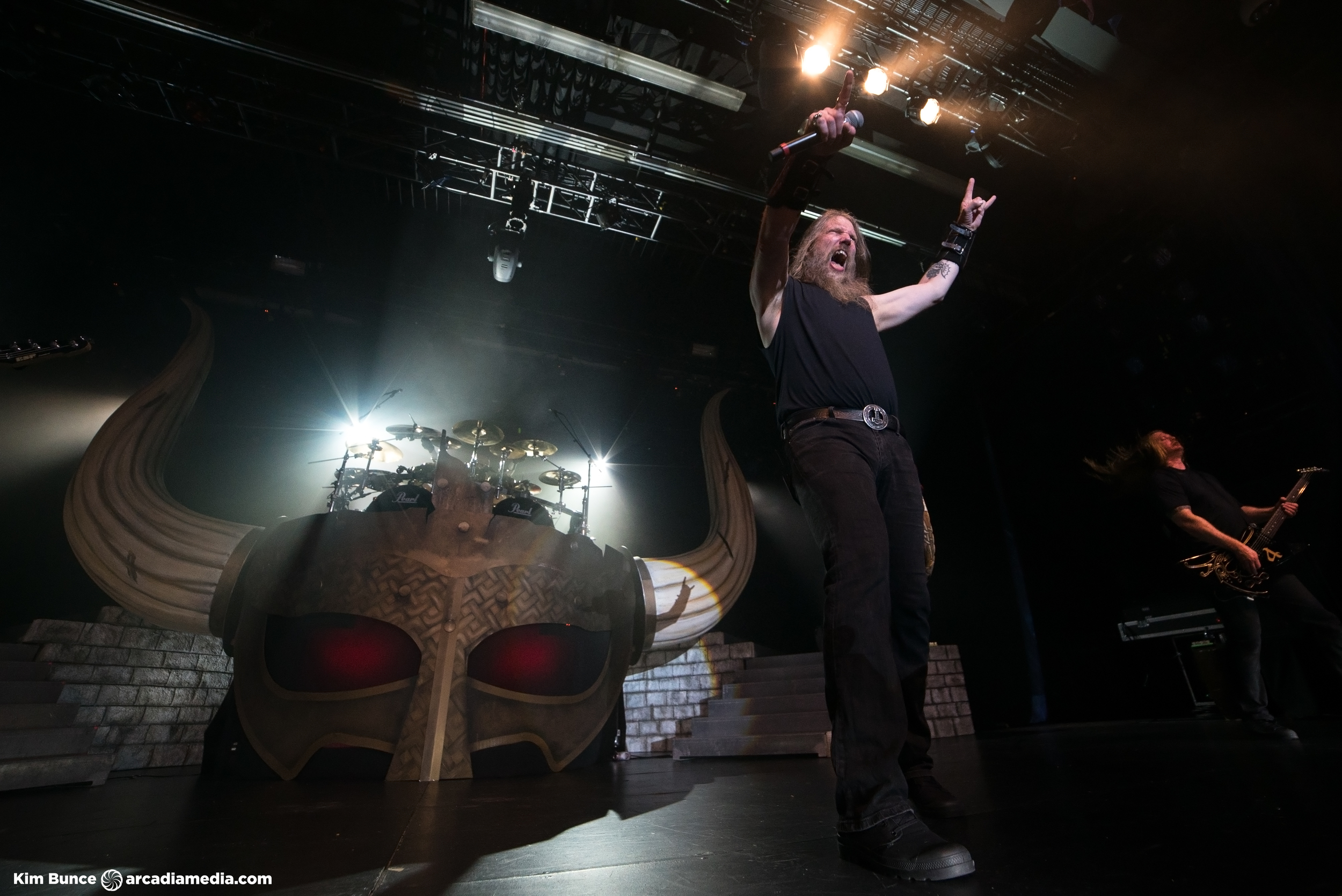 2016-04-22-amonamarth.jpg