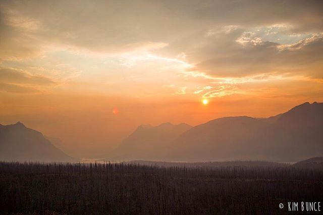 More Montana to get through hump day . . . . . #montana #glaciernationalpark #glaciernps #nps #findyourpark #sunset #goldenhour #magichour #canon #5dmkiii #spraguefire #travel #travelphotography