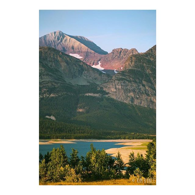 I was warned to not travel through Montana by myself, but have never been somewhere more rewarding than Glacier National Park. I had to adjust my hiking and camping goals to stay bear safe, but glad I'm a stubborn broad and didn't listen because I was rewarded views like this! . . . . . . @glaciernps #manyglacier #glaciernationalpark #glaciernps #nps #nationalparkservice #findyourpark #montana #campmore #travel #travelgram #nature #naturephotography #rocksrock #solo #solotravel #takemeback