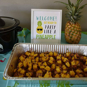 Pineapple Party Signs, Customer Review Photo