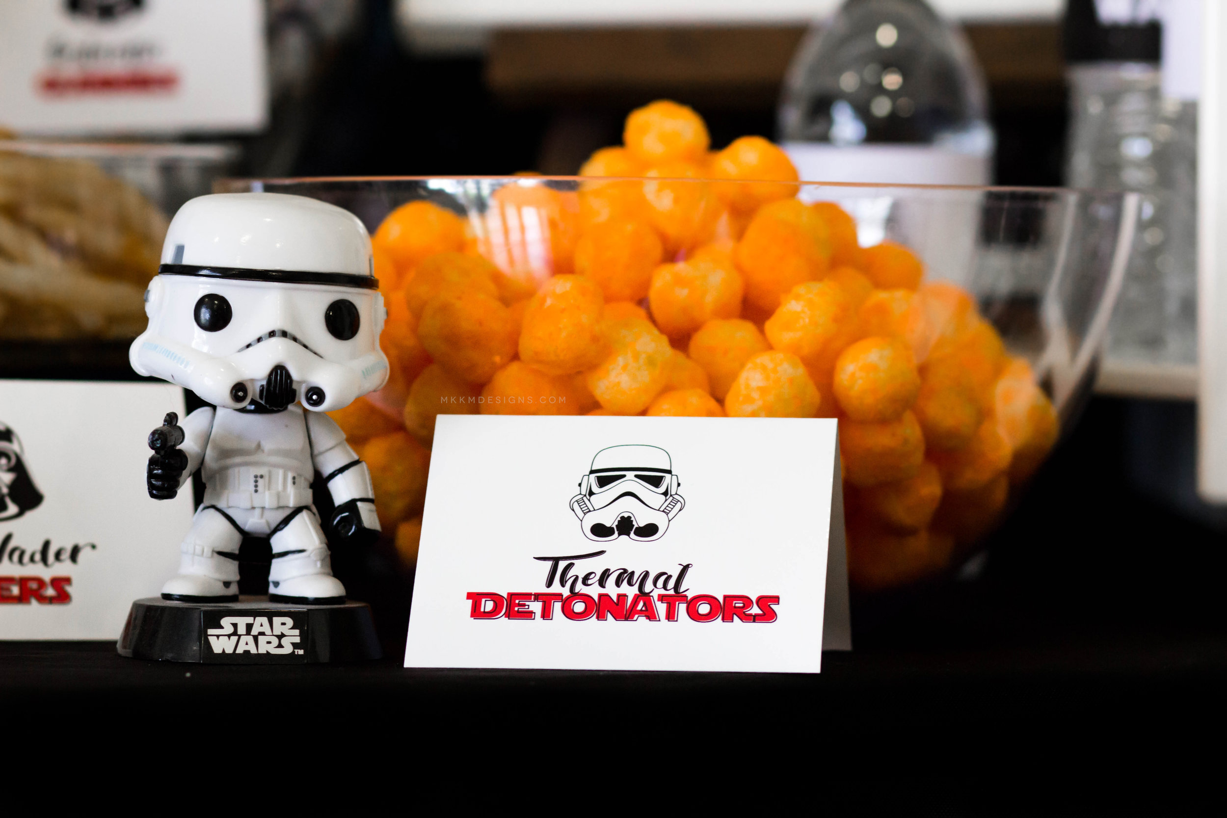 Star Wars Party Food Cards by Mkkm Designs #swoonworthysoirees