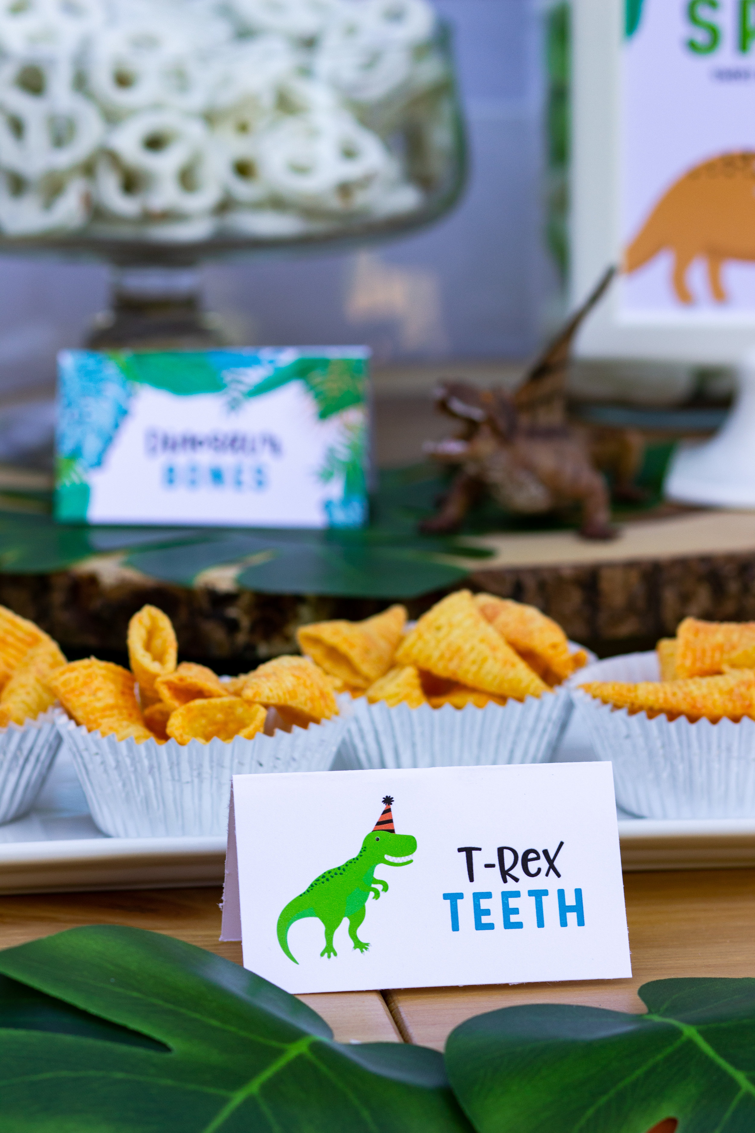 T-Rex Teeth, fun food names for your dinosaur birthday theme. Grab the cards in the shop at mkkmdesigns.com