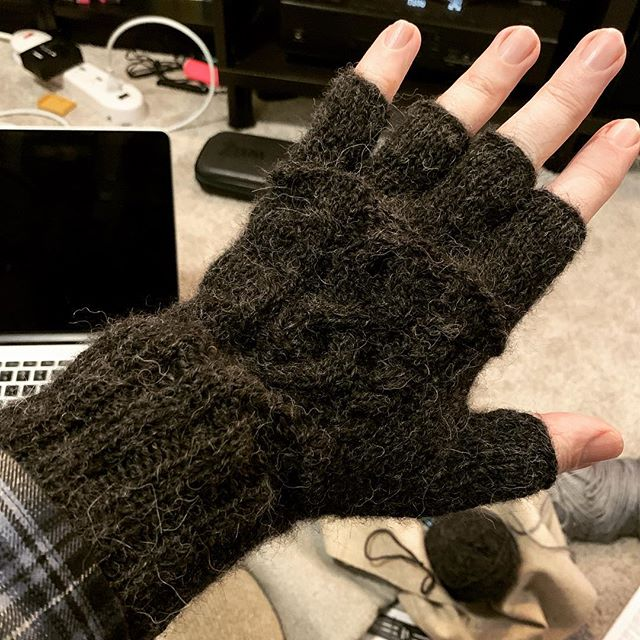 Left glove: Done! #berrocoyarn #menwhoknit #hook