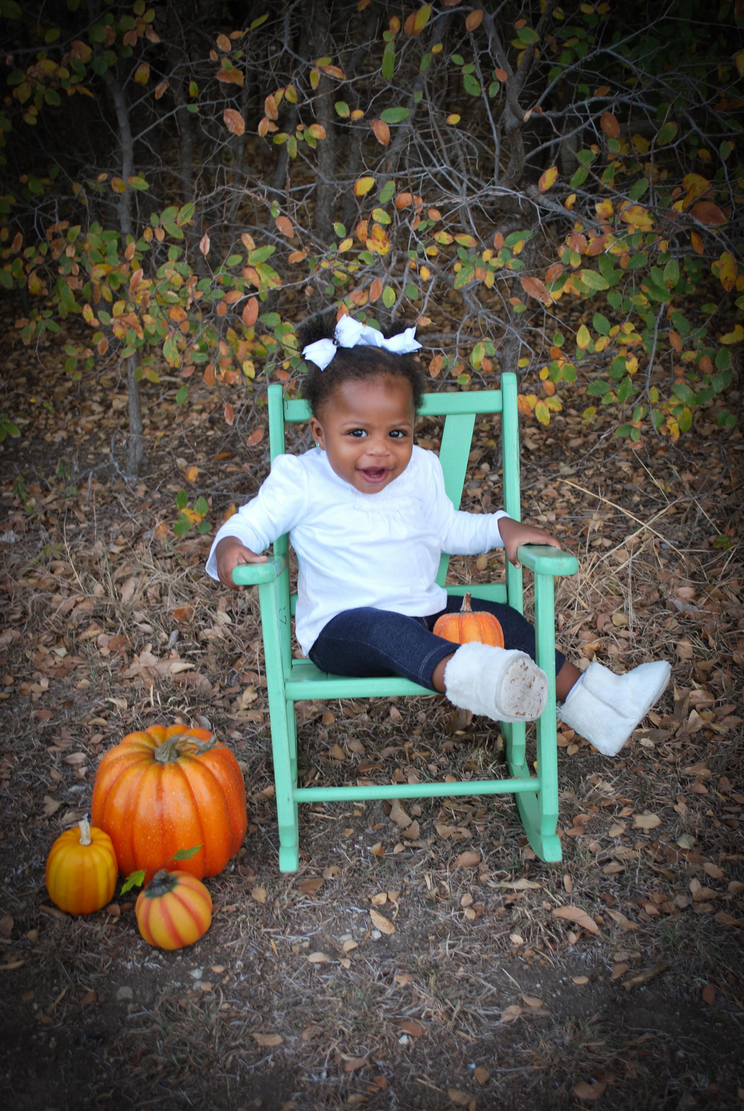 baby girl black.png