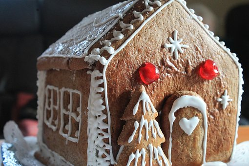 Saturday December 16th at 1pm   Join us Saturday December 16th at 1 for our Annual Gingerbread House Building and Pictures with Santa. $10 per house. We are making fresh gingerbread for the houses so RSVP is necessary by December 9th call (518) 463-2208 or email ilfarorestaurantandbar@gmail.com to reserve your house.