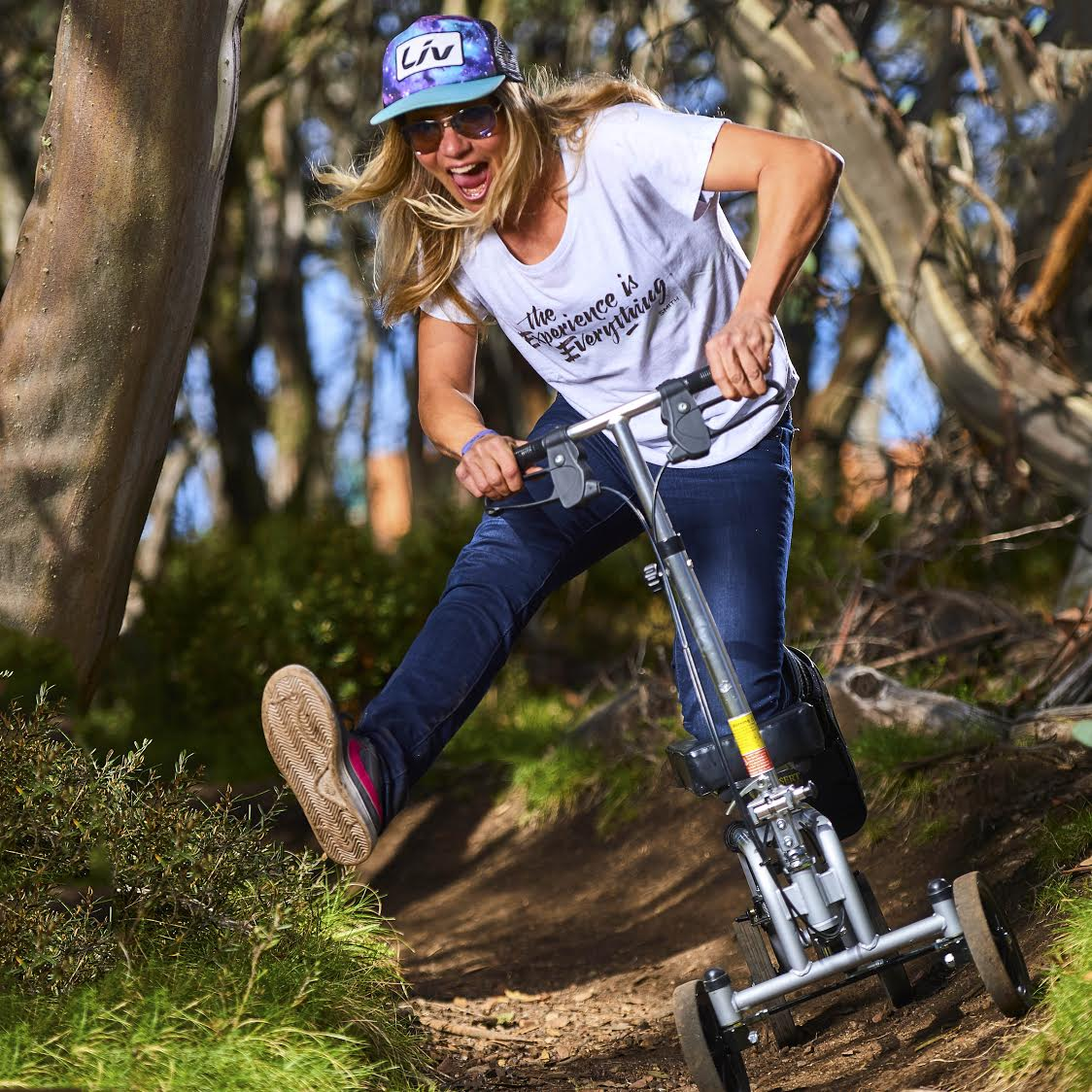 Lindsey Voreis was the Key note speaker at the Australian Mountain Bike Summit, but despite having a broken foot at the time, she still managed to get out on to the trails for a shred sesh. Foot out flat out.