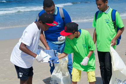 Collecting trash for data analysis
