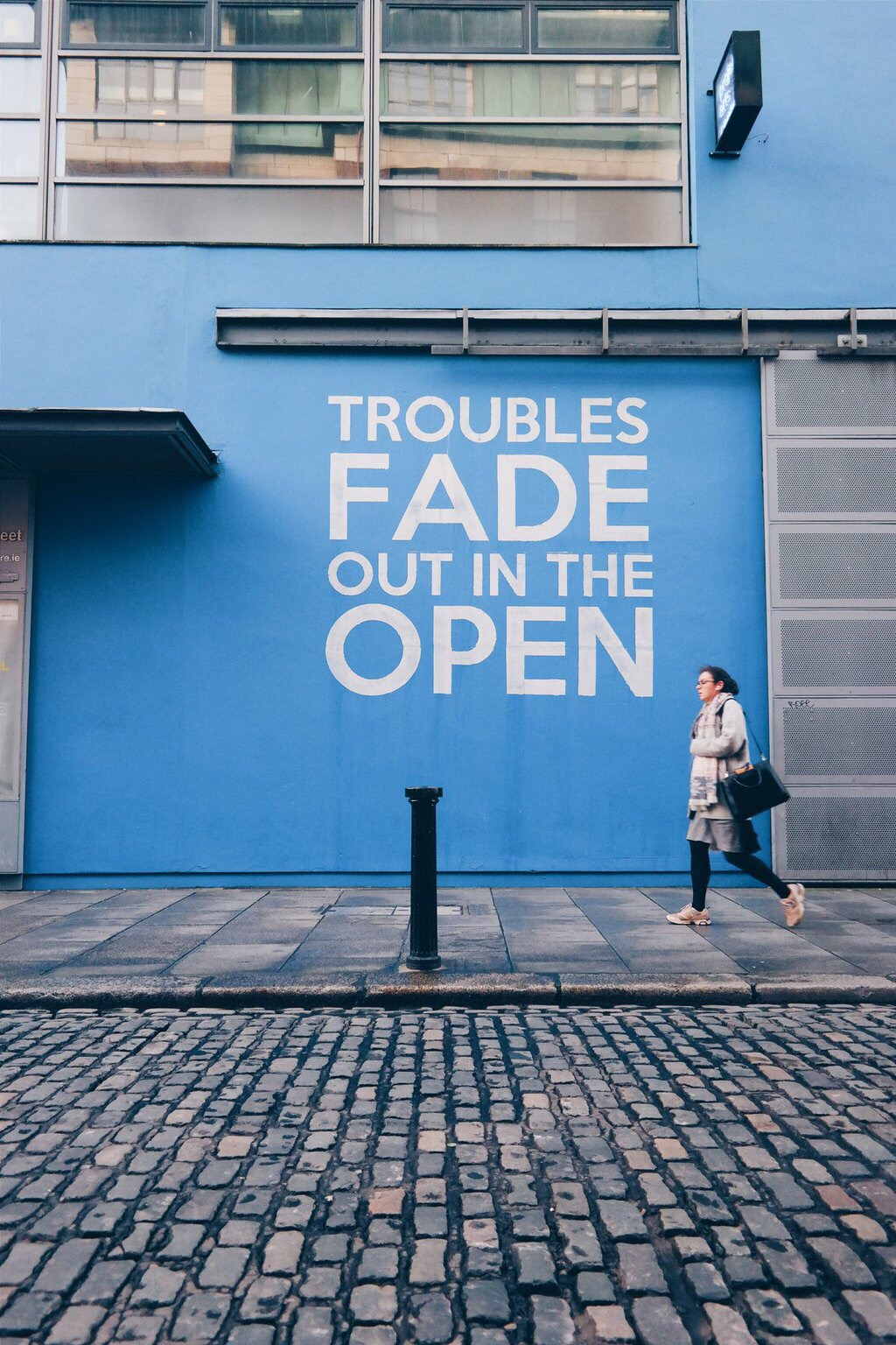 TROUBLES FADE OUT IN THE OPEN