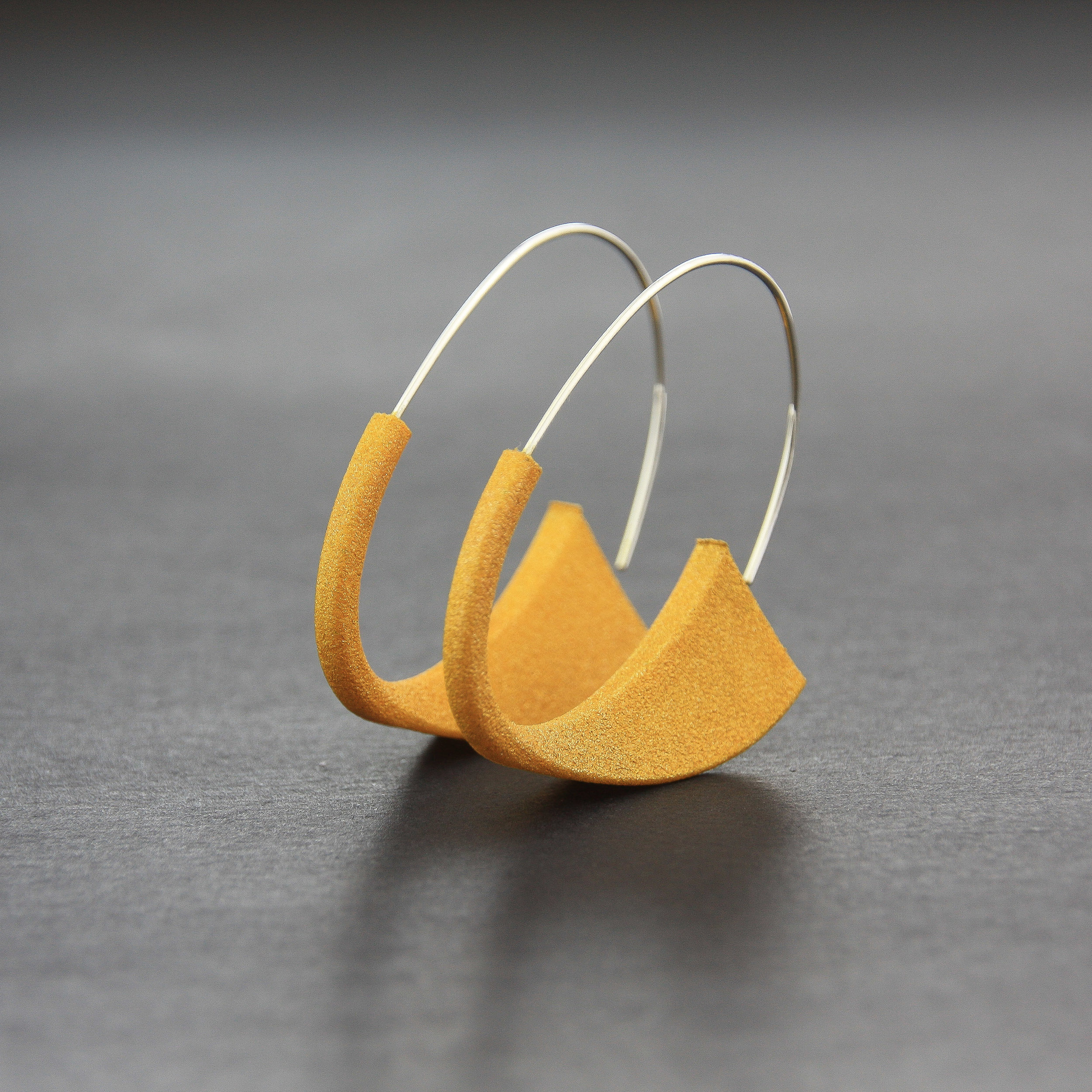 Leonie Simpson Jewellery Suki Earrings oro