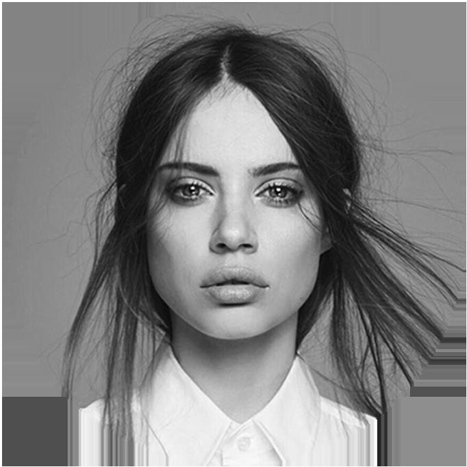 Xenia Tchoumi – Digital Influencer