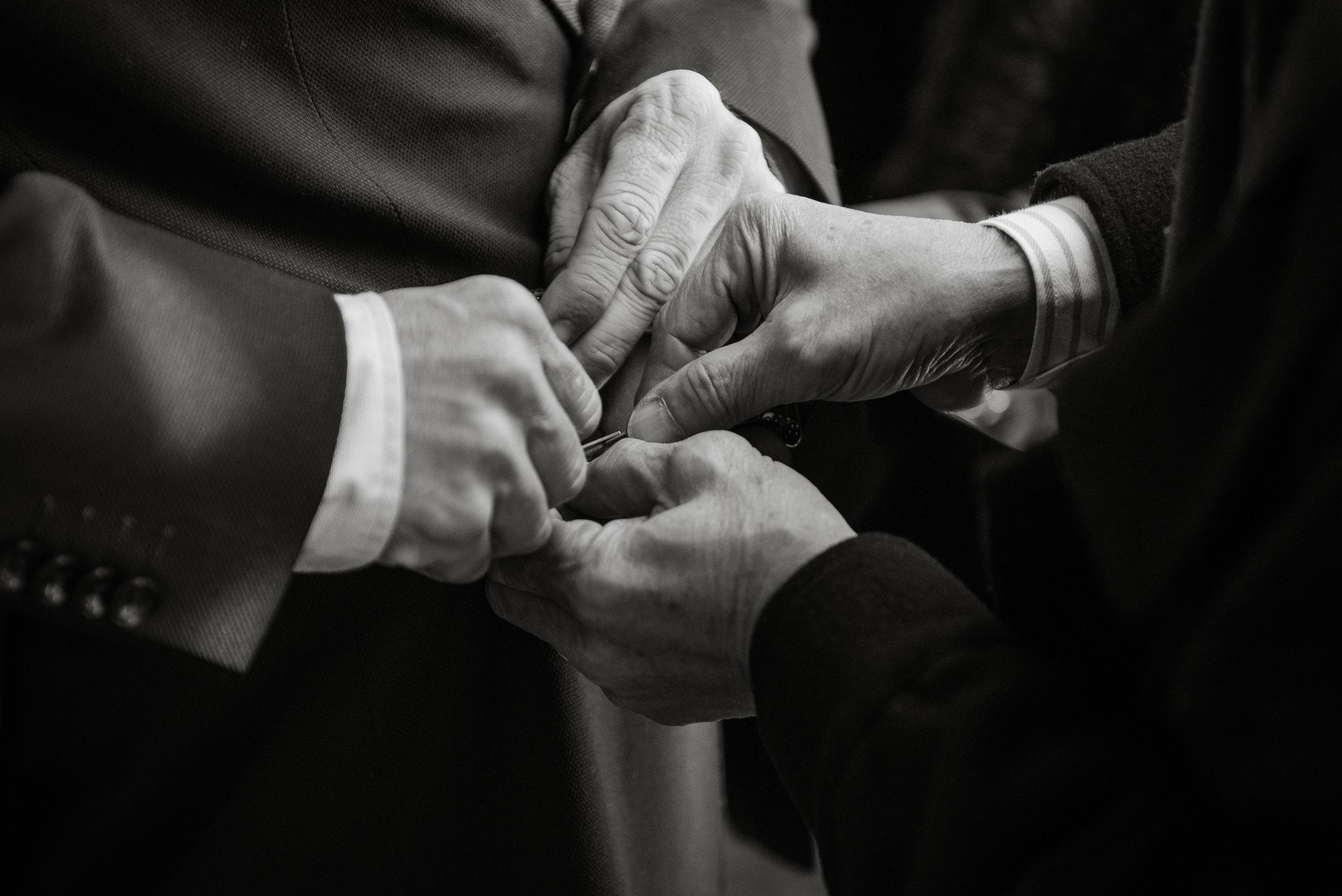 Hand details Barcelona Wedding Guillem Cheung Bryllup BW