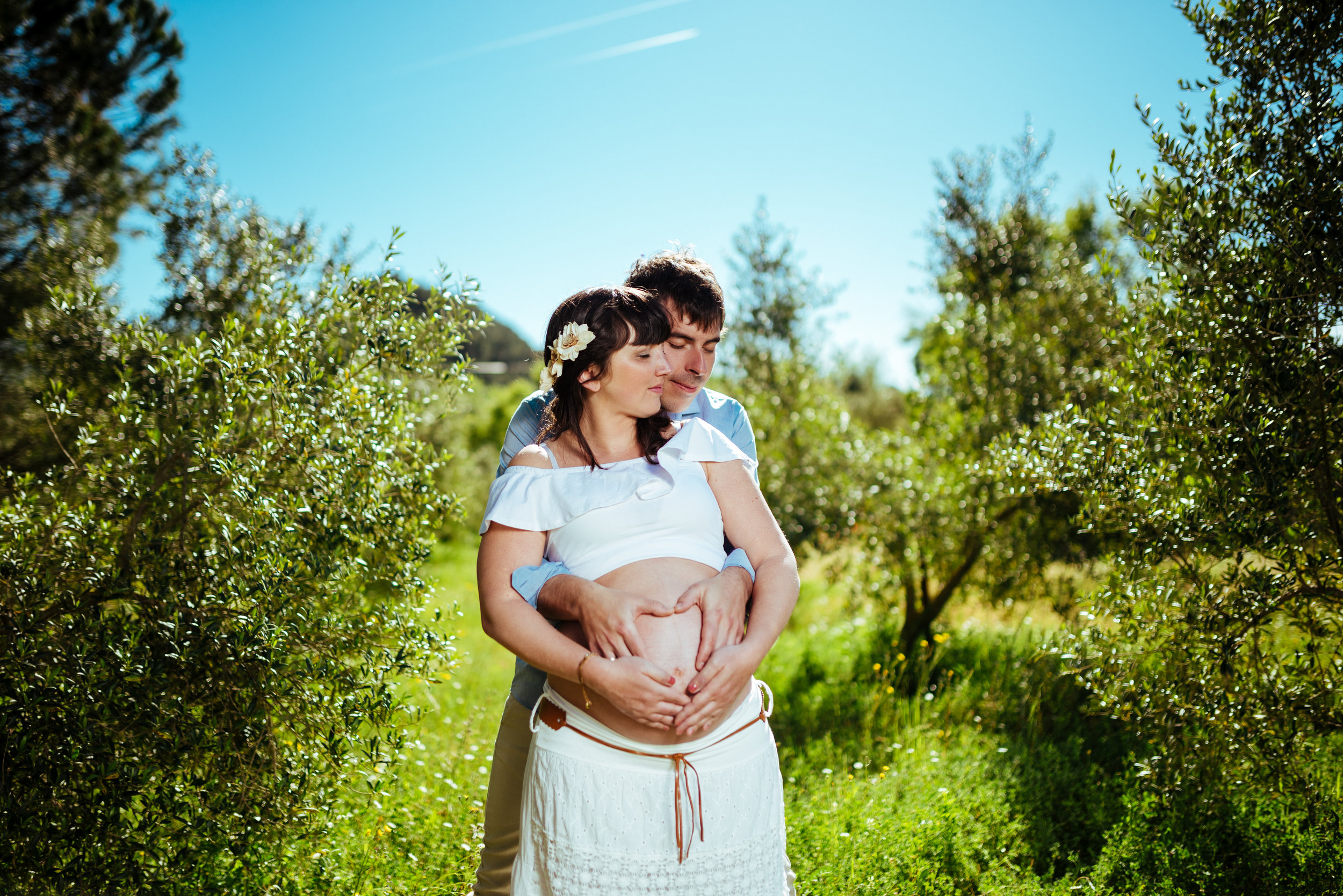 Couple Pregnant girl outdoor maternity photography Spain Gravid fotografering
