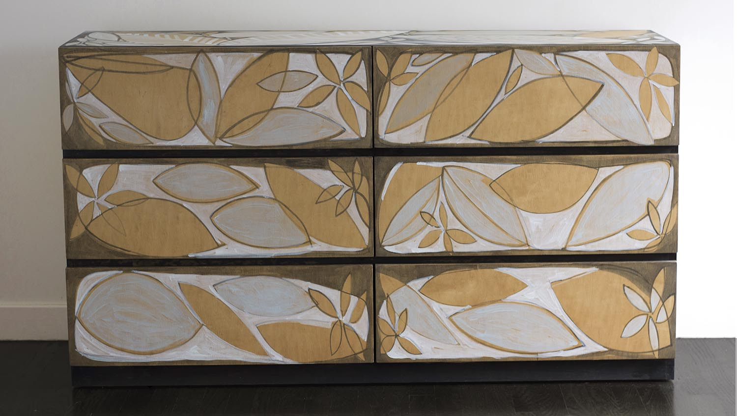 Layered leaf Dresser