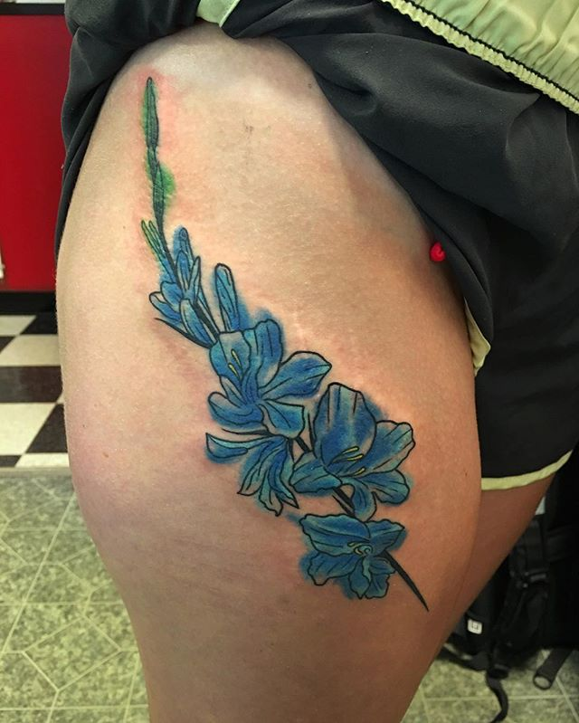 A fun piece on @kristin019. Thank you again! #abouttimetattoo #abouttime #tattoo #watercolortattoo #flowertattoo #tattoolife #southnashuatattoo #southnashua #nashuatattoo #tattooed #tattooedwomen #mondaymotivation #instadaily #tattoosofinstagram