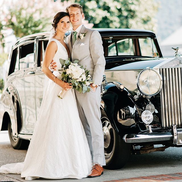 Gorgeous couple, gorgeous ride. #rollsroyce #justmarried